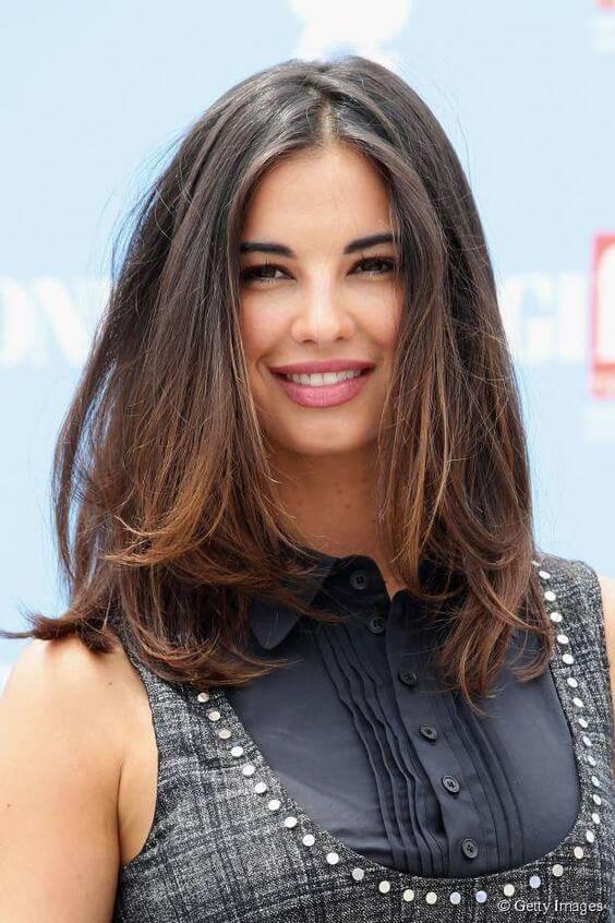 Corte de cabelo médio base reta 2020