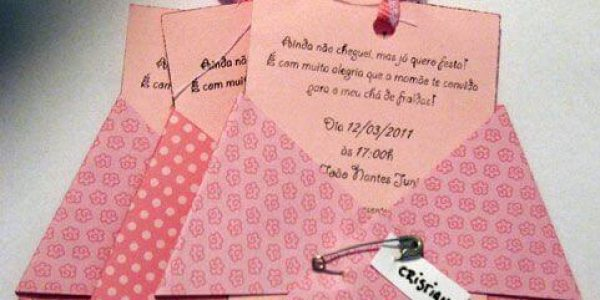 ideia criativa de convite para chá de fraldas