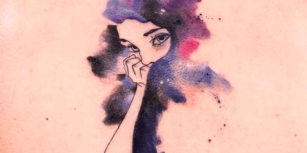 Tatuagem feminina aquarela