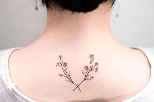 Ramo de flor tatuagem 2020