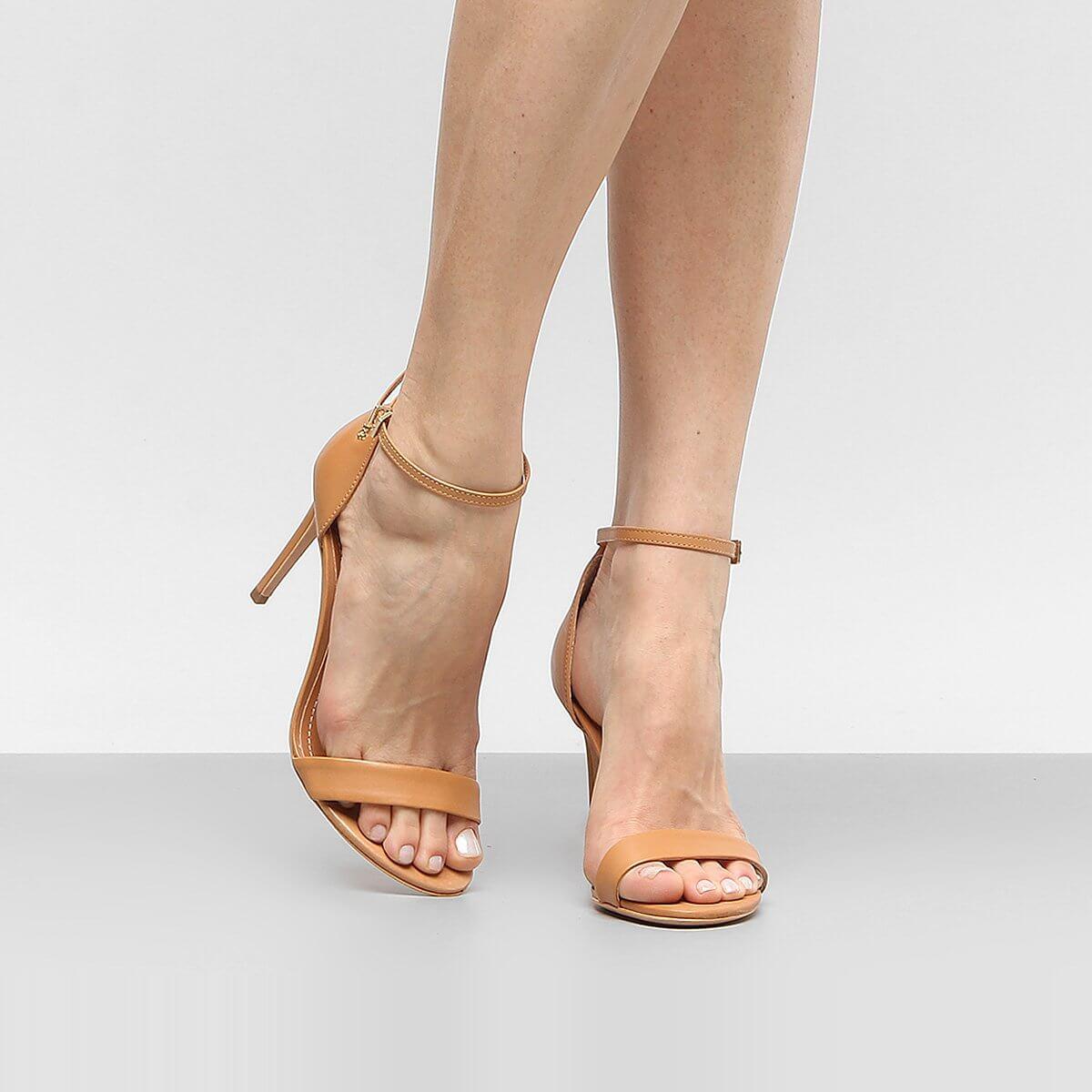 Sandália tornozeleira