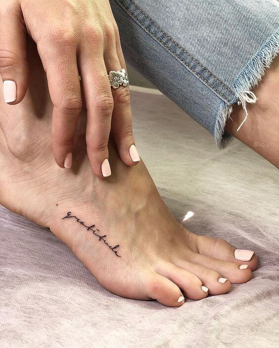 Frases para tatuagem no pé 2020