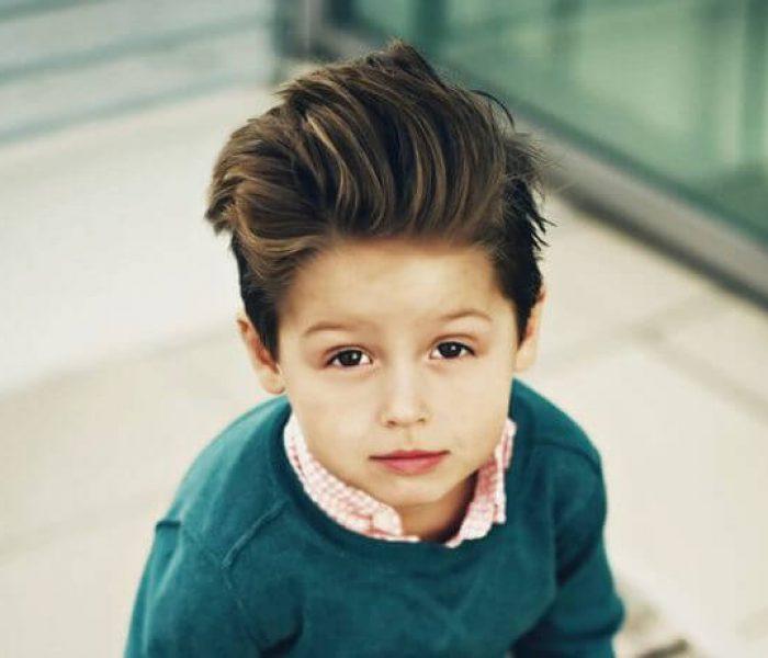 Corte de cabelo infantil ondulado masculino