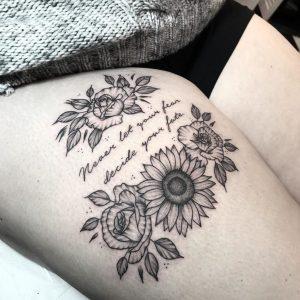 tatuagem feminina coxa 2020