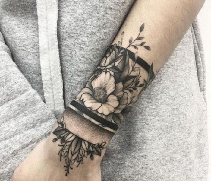 Tatuagem no Pulso BlackWork