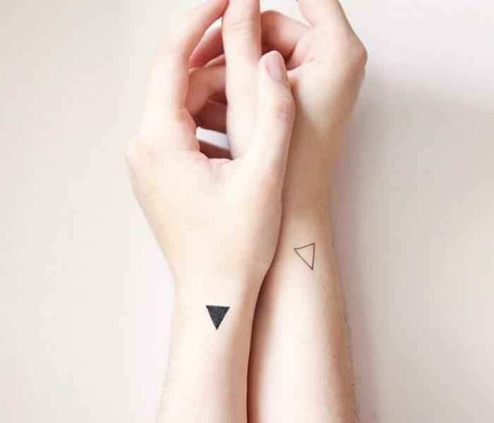 Tatuagem no pulso minimalista 2020