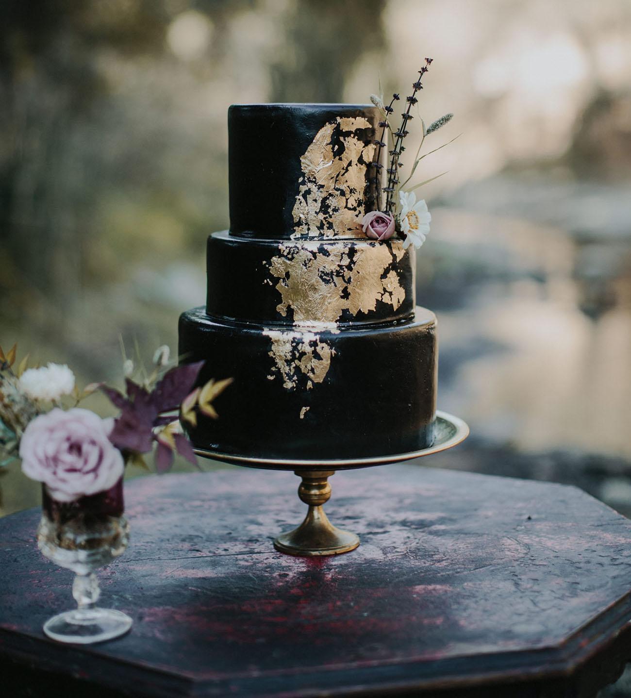 Bolo de casamento preto 2