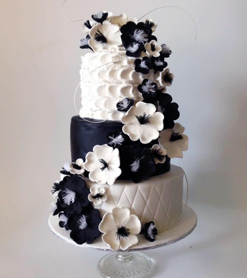 Bolo de casamento preto e branco 2