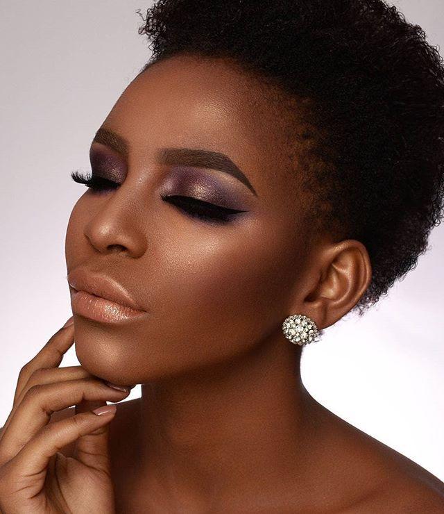 Iluminador para mulher negra