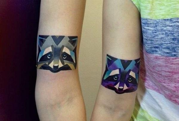 Tatuagem de casal geométrica