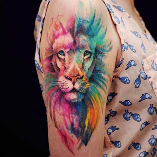 Tatuagem de leão aquarela feminina 2