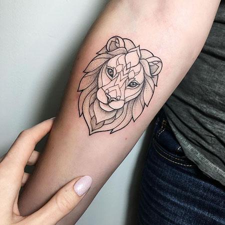 Tatuagem de leão geométrica feminina 2