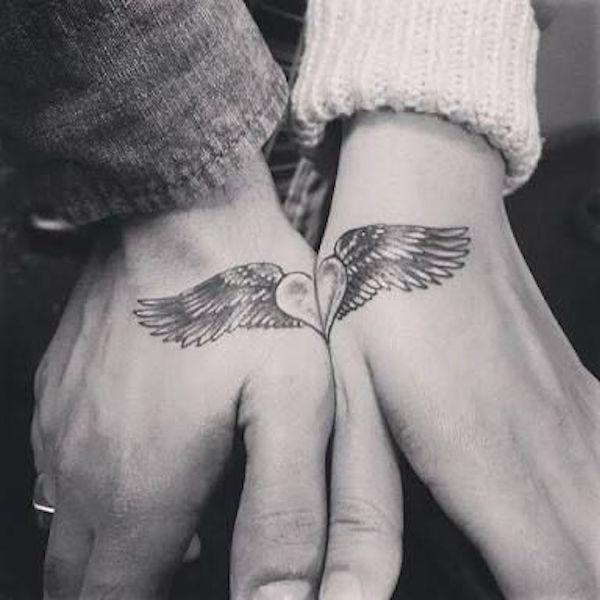 Tatuagens de casal que se completam