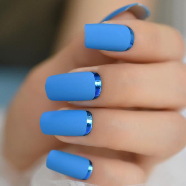 Unha decorada azul fosco