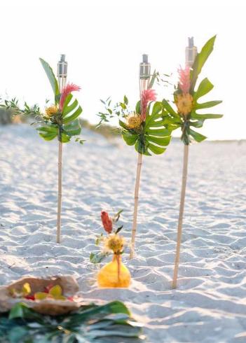 decoração casamento praia estilo luau