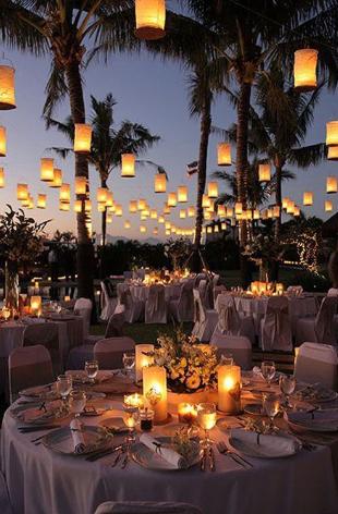 iluminação casamento praia
