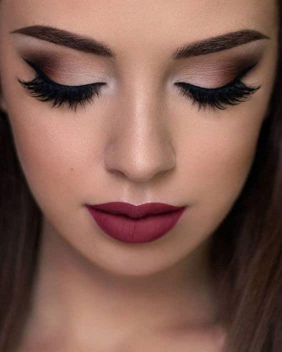 maquiagem para noiva com batom escuro