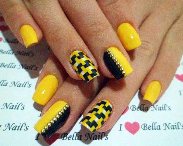 unha amarela decorada com preto 2