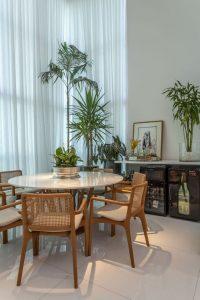 sala de jantar com plantas 2