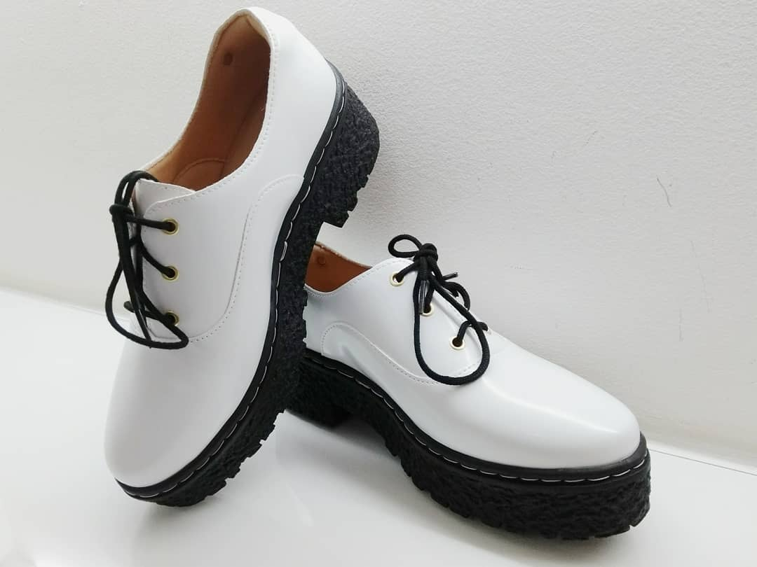 Sapato oxford branco