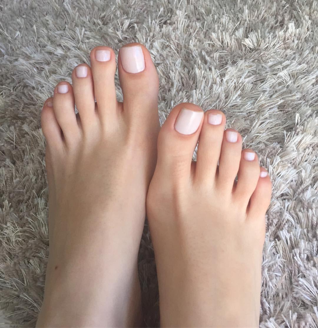 Unha do pé nude