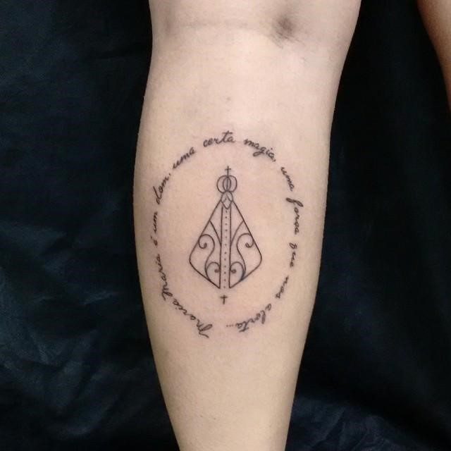 Tatuagem masculina com palavras ou frase 2021