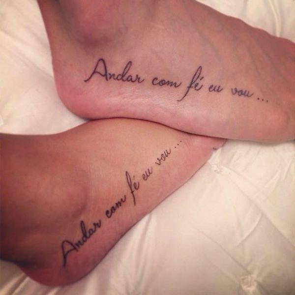 Tatuagem com palavras ou frases para casais 2021
