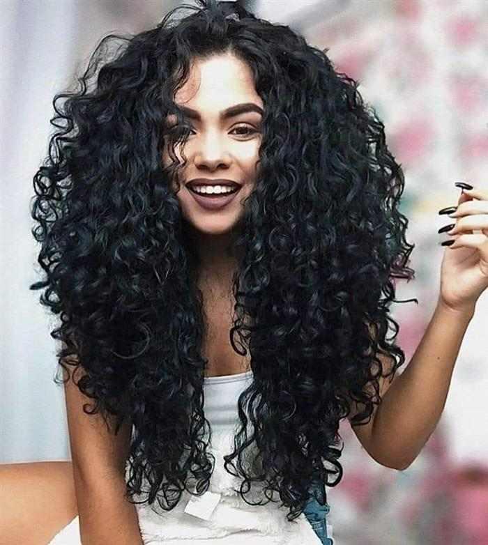 Cortes de cabelos cacheados longos