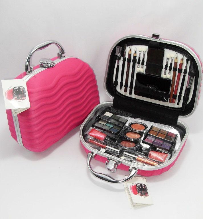 Maleta com kit de maquiagem da Fenzza