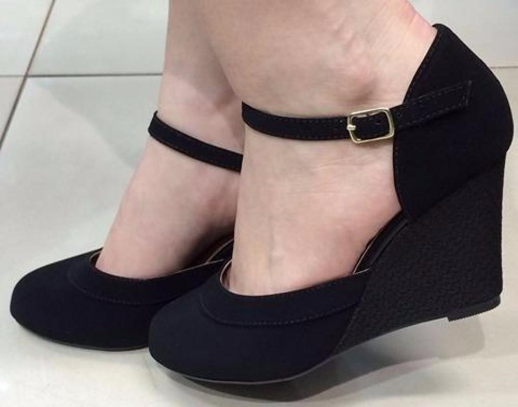 Sapato boneca anabela