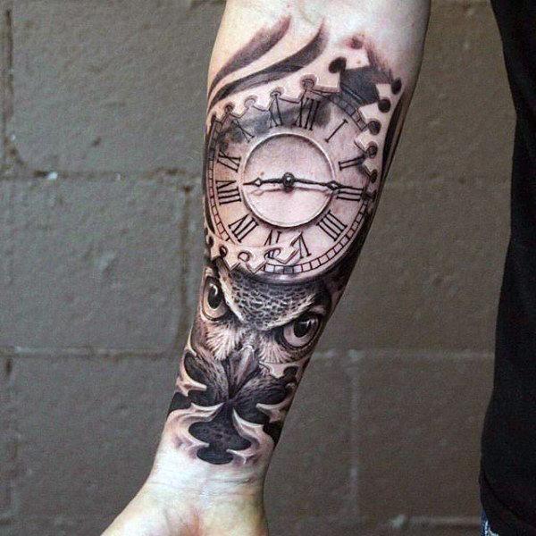 Tatuagens masculinas no braço de relógio 2021