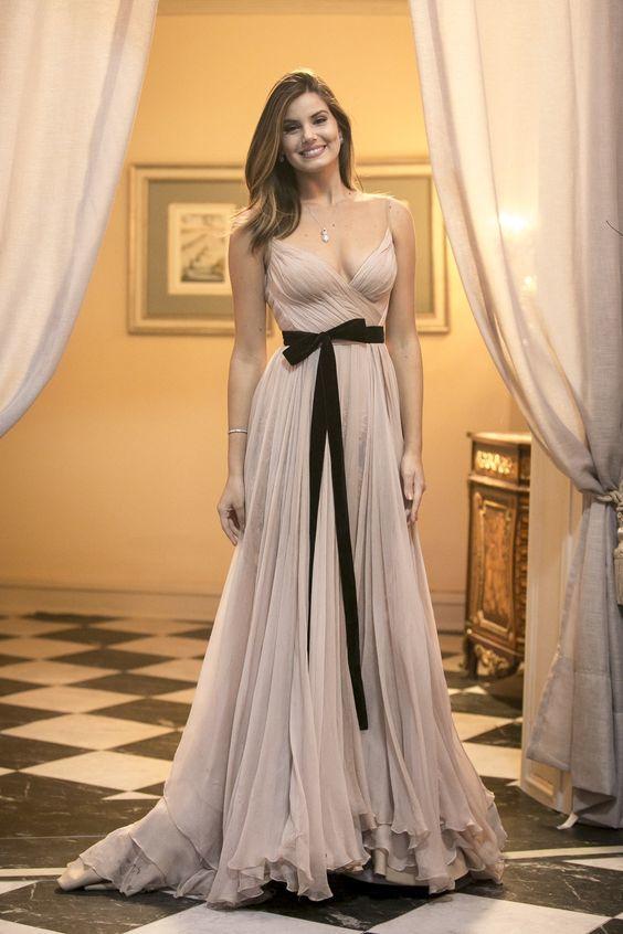 Vestido de formatura curto 2021