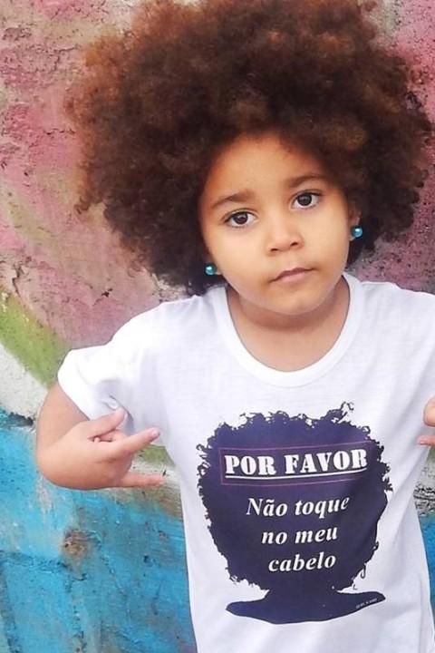 cabelo cacheado de menina black power