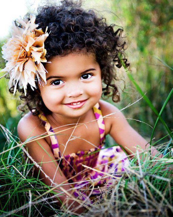 cabelo cacheado em menina