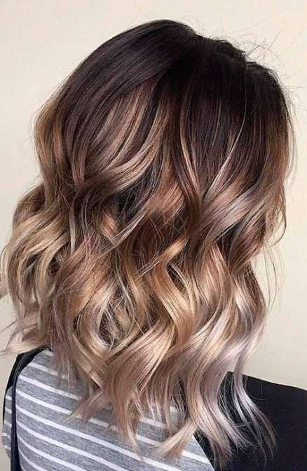 cabelo curto ondulado