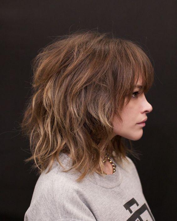 cabelo ondulado curto