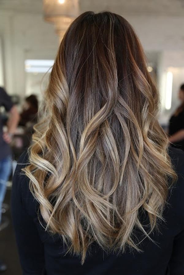 cabelos longos com luzes