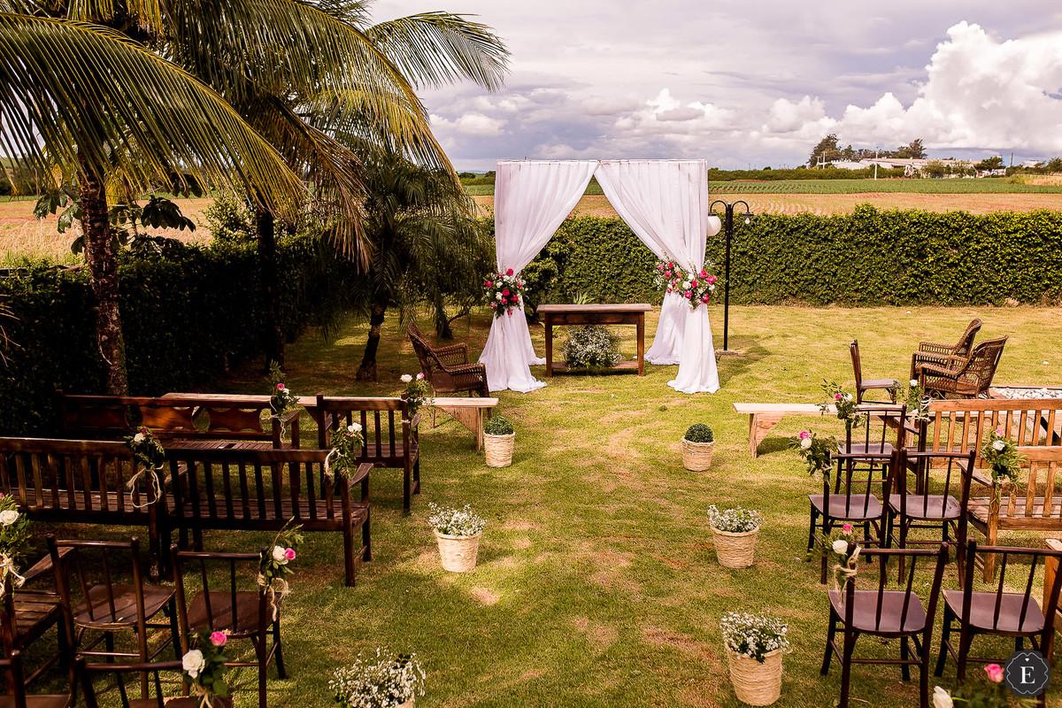 decoração casamento em campo