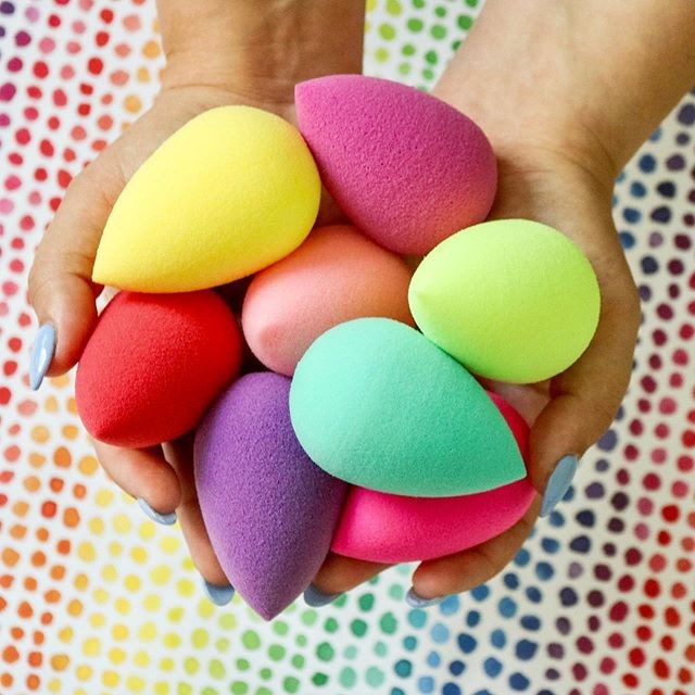esponjas de maquiagem coloridas
