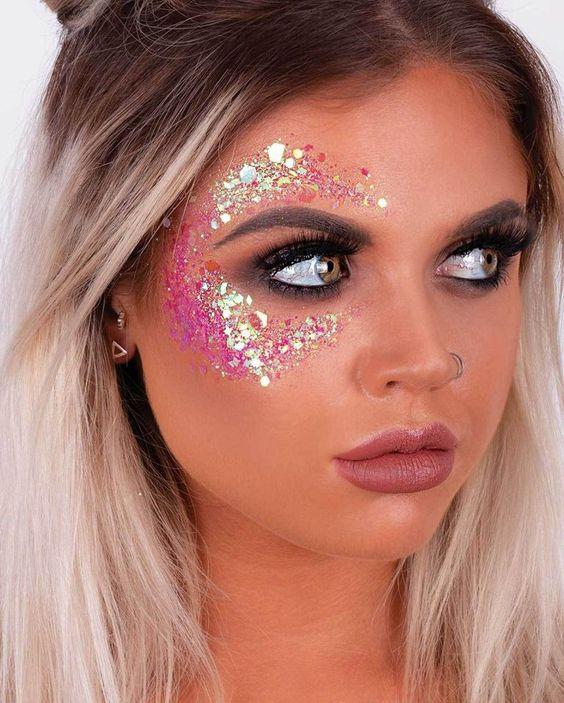 glitter no rosto maquiagem carnaval