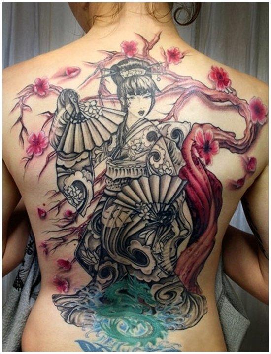 gueixa tatuagem nas costas
