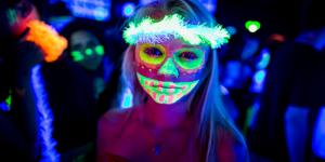 maquiagem neon 2021