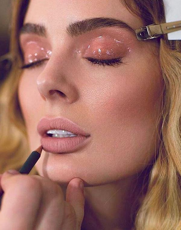 maquiagem noturna com efeito glossy 2021