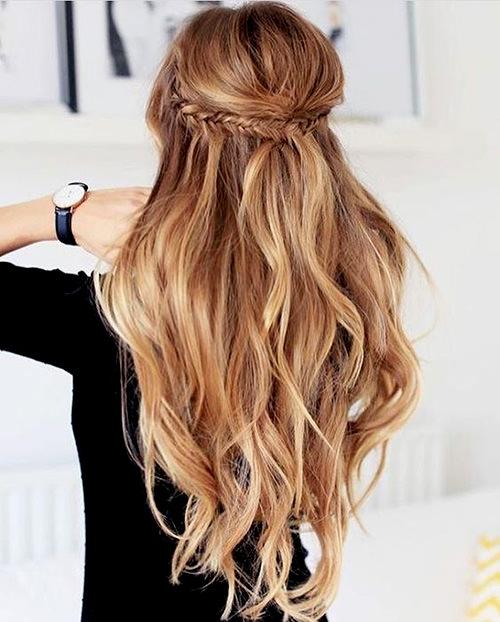 penteado em cabelo longo ondulado