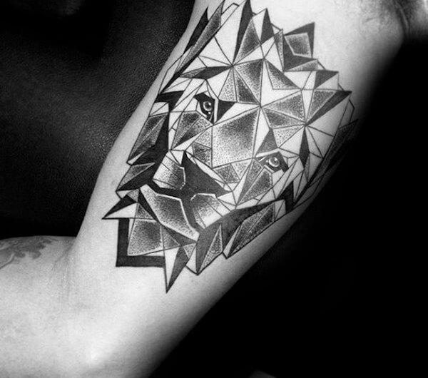 Tendência de tatuagem antebraço masculina geometrico 2021