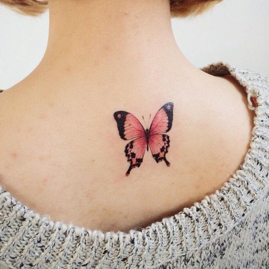 tatuagem de borboleta nas costas