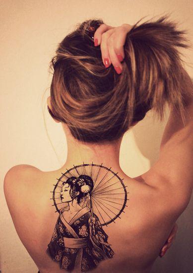 tatuagem de gueixa nas costas