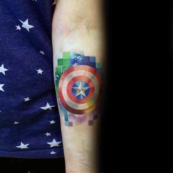 Tatuagem masculina no braço pixel tattoo