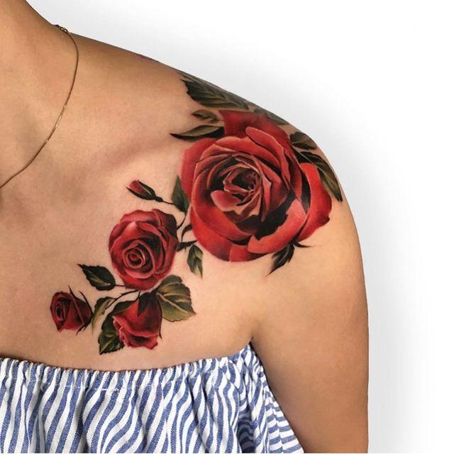 tatuagem no ombro de rosas 2021