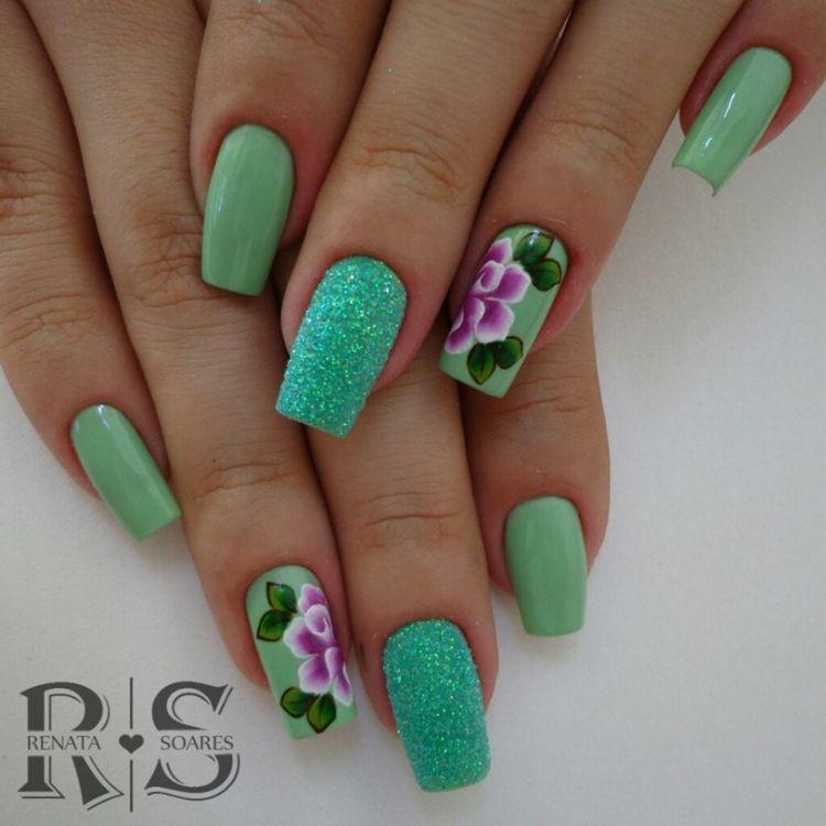 unha decorada verde com flores 3